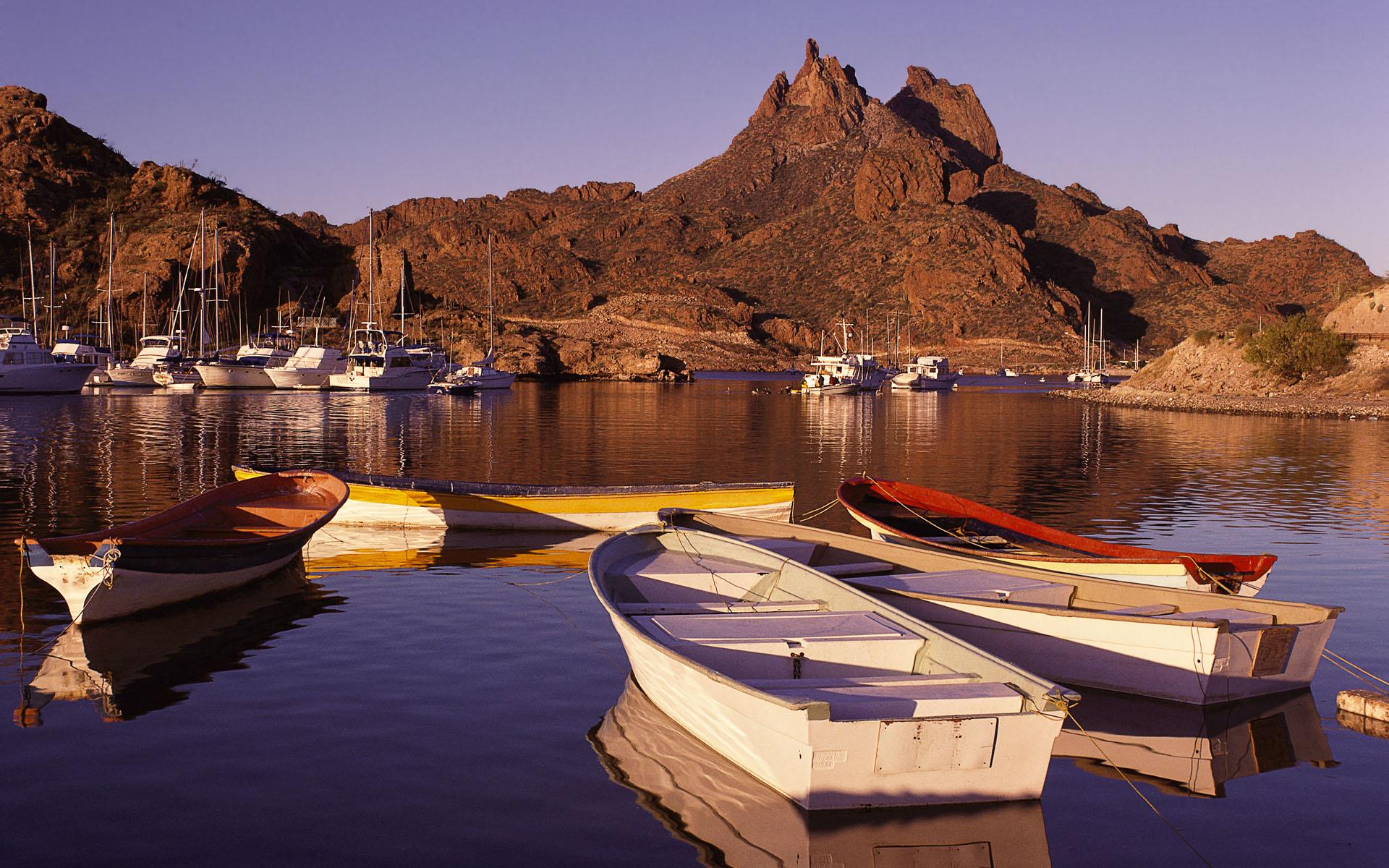 Puerto al amanecer, San Carlos Sonora (Harbor at Sunrise San Car