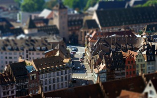 Strasbourg_2560x1600_by_hermik