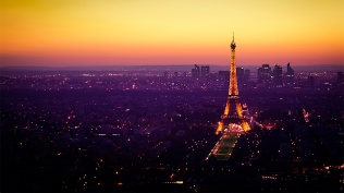 02961_nightfallinparis_1920x1080