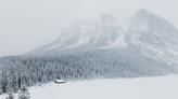 winterinlakelouisealberta_1600x900