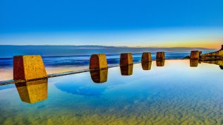 2014-01-10_EN-CA8643257441_Pool-at-sunrise-in-Coogee-outside-Sydney-New-South-Wales-Australia_1920x1080